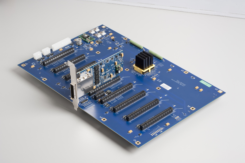 Cyclone Microsystems Pcie2 2710 Eight Slot Pcie Gen2